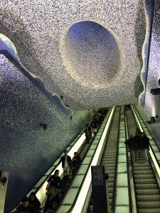 Stacja metra Toledo w Neapolu.