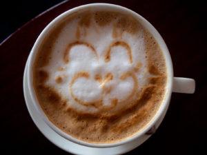 kawa z kotkiem