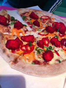 kraków pizza z cheetosami