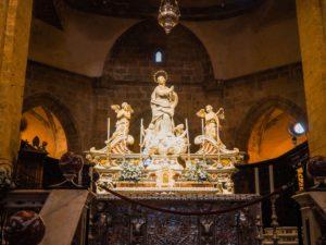 wnętrze kościoła na sardynii
