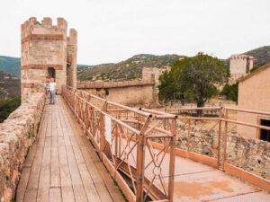 sardynia mury obronne zamku