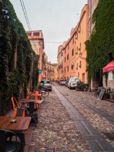 brukowane uliczki we włoszech