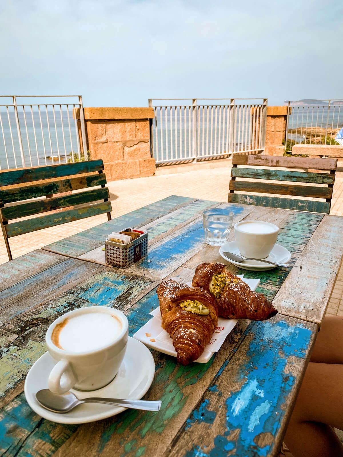 sniadanie w alghero